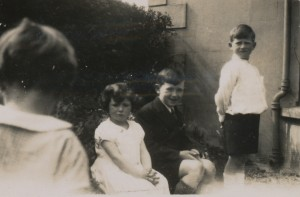 Eoin and Laurence and Maeve c. 1937 copy