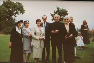 Margaret, Maeve, Laurence, Kevin, Ann (O'Hara) and Phil - 091993 EML wedding.formal copy